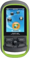 Désolé ! L'eXplorist GS est dédié uniquement au Geocaching, il est incompatible microSD CARD et le téléchargement, pas de carte compatible ! .